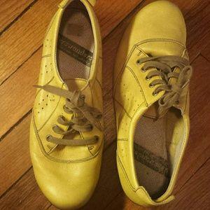 Wonders shoes size 11